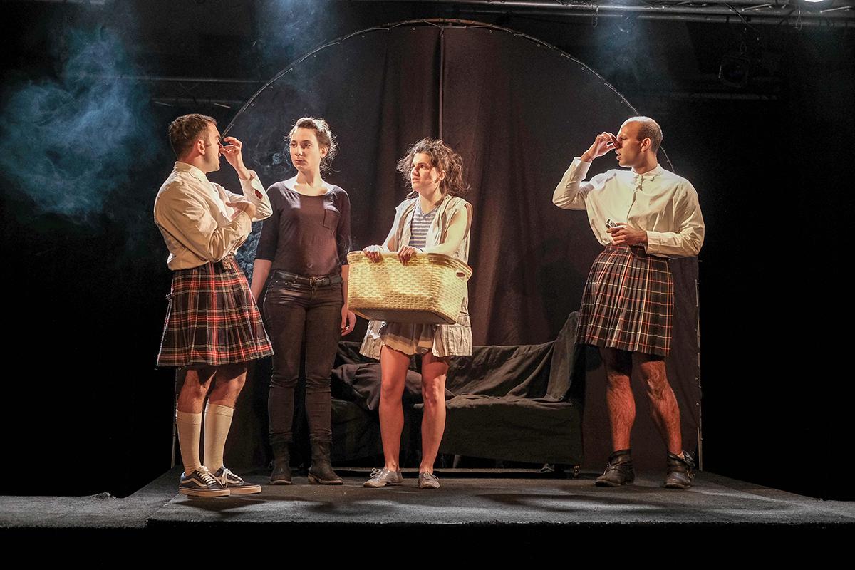 Spectacle-Cendrillon-avec-ses-soeurs-theatre-regional-des-pays-de-la-loire