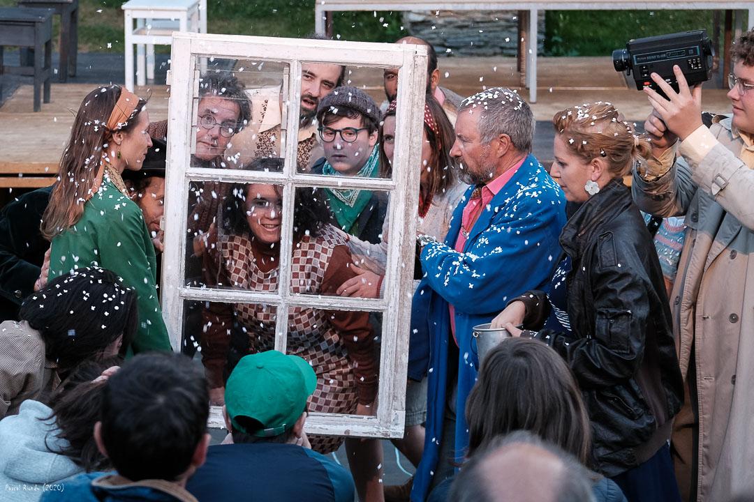 comediens-amaterus-le-temps-d'une-troupe-fenêtre