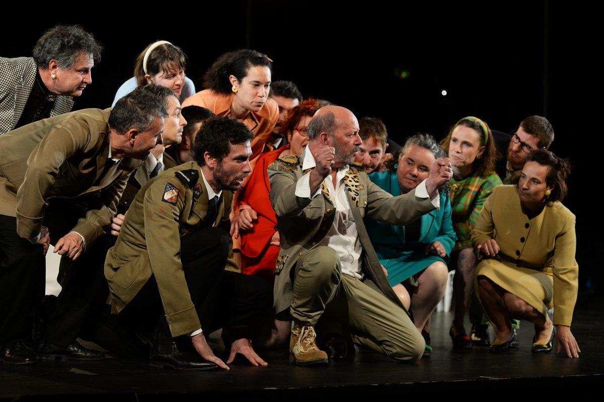comediens-amateurs-et-professionnels-Patrick-Pelloquet-le-temps-dune-troupe-theatre-interlude-cholet